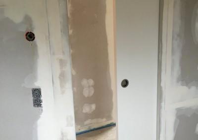 Staenderwand mit innenlaufender Schiebetuer